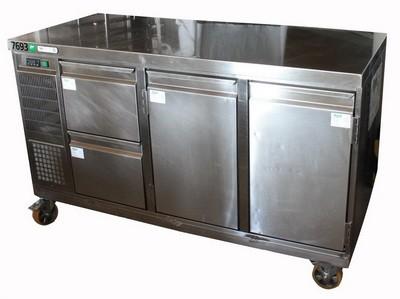 Kühlpult, 2 Schubladen und 2 Türen, Edelstahl, 157 x 70 x 94 cm, 420 W, 230 V