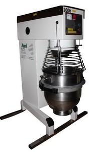 Teigknetmaschine, Standgerät, 60 lt. Behälter, 400 V, 1900 W, 5 A, 16 CEE