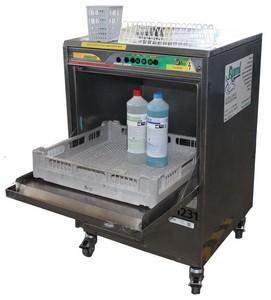 Geschirrspüler mit integrierter Abwasserpumpe